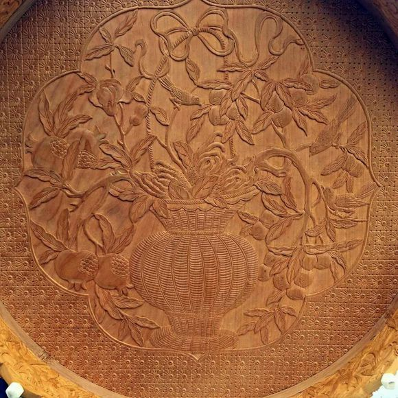 An exquisite Chinese bird cage with woodcarving -4